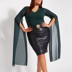 Plus Size 26/28 Dramatic Top